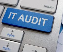 Bild einer Notebook Tastatur mit der Aufschrift IT-Audit