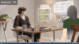Zwei Frauen im virtuellen Gespräch über Team und Hololens