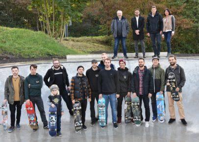 Skater in einem Skate Bowl