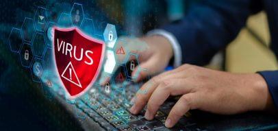Hände auf Tastatur Logo Virus Antivirus