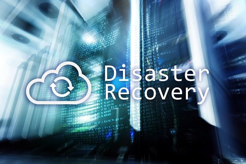 Schriftzug Disaster Recovery neben Wolke für Cloud-Backup