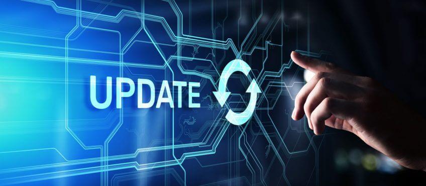 Finger der auf ein Update zeigt als Sinnbild für Patchmanagement